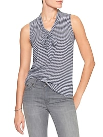 Print Sleeveless Tie Collar Top