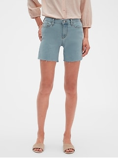 Light Wash Raw Hem Denim Shorts - 6 inch inseam