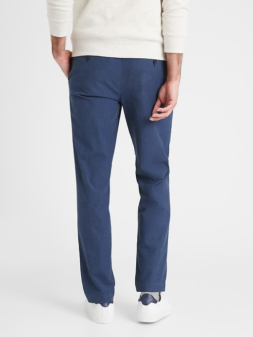 Aiden Slim-Fit Herringbone Pant